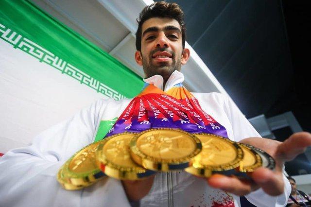 قهرمان ایرانی، مایکل فلپس آسیا، شاهین ایزدیار