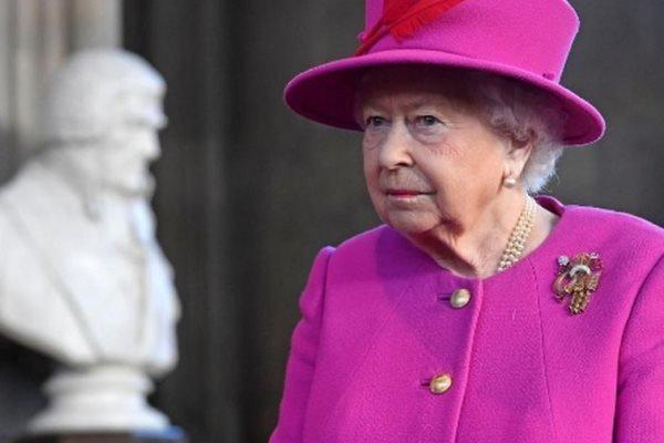 ملکه انگلیس مجلس را تعلیق می نماید