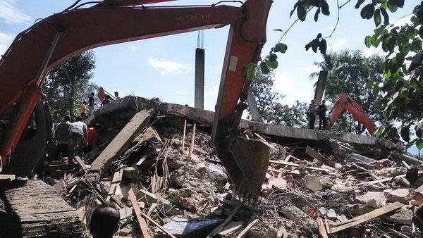 افزایش تلفات زلزله مهیب در اندونزی