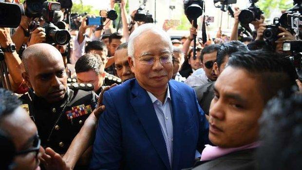 محاکمه نخست وزیر سابق مالزی شروع شد