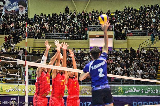 شروع هفته سوم با روزهای سخت والیبال ایران، تقابل با سرمربی پیشین