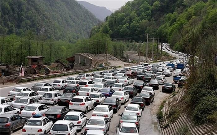 ترافیک جاده چالوس و هراز سنگین شد