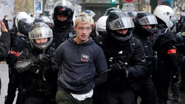 خبرنگاران اتحادیه خبرنگاران فرانسه بازداشت&zwnjهای خودسرانه در پاریس را محکوم کرد