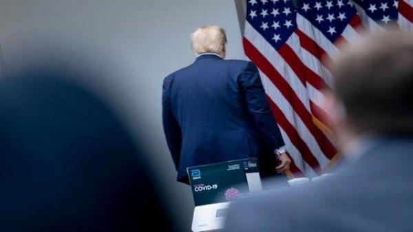 نیمی از آمریکایی ها ترامپ را یک رئیس جمهور مردود می بینند