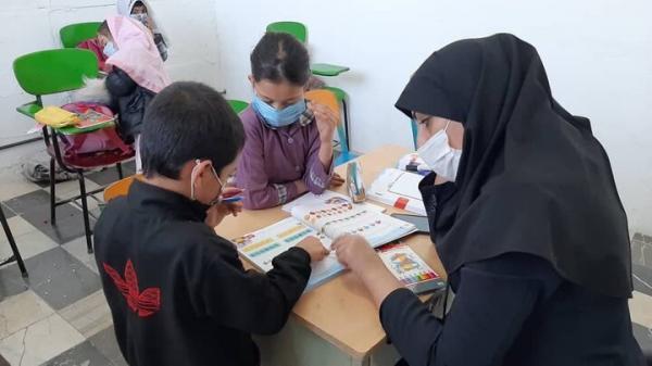 آموزش بچه ها بازمانده از تحصیل در محدوده کوه گچی
